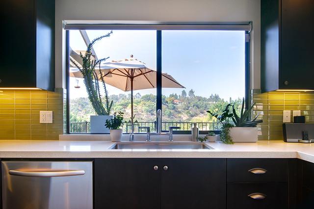 Modern kitchen windows 3