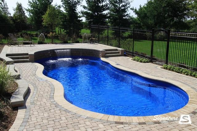 Types of pool fences