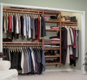 Portable closet to hang clothes