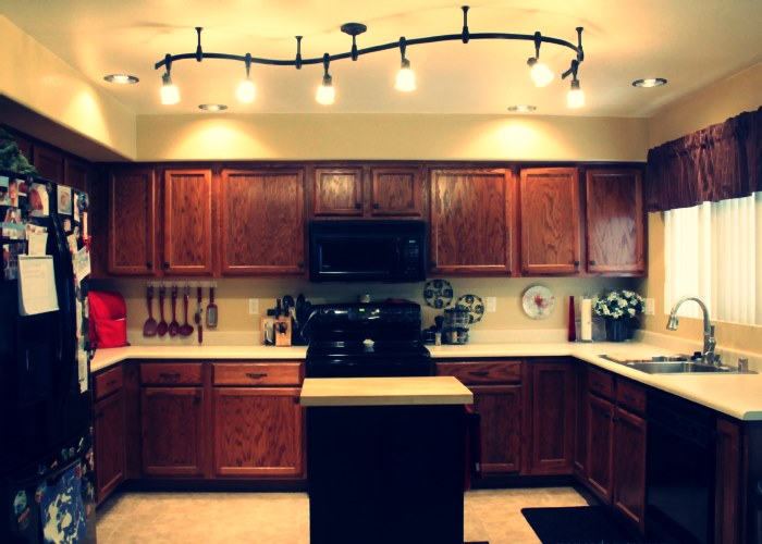 Safe, cheap and convenient track lighting fixtures