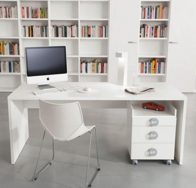 Convenient computer desks for home office