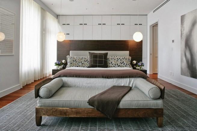Bedroom chest foot bed