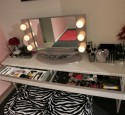Hollywood Lighted Vanity Table